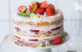 آموزش تهیه کیک توت فرنگی شکلاتی به روش ساده