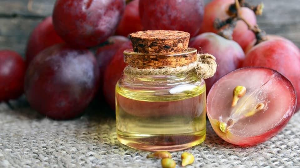 روغن هسته انگور برای چاقی صورت